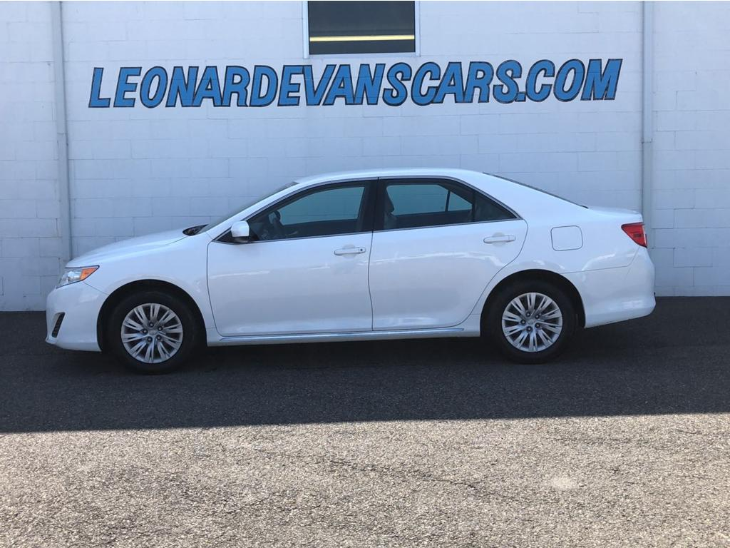 2014 TOYOTA CAMRY LE 4-Cyl 25 LiterAutomatic 6-SpdFWDTraction ControlStability ControlABS